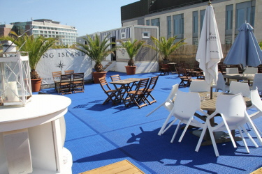 Eventboden Bergo MARINE in der Frankfurter Long Island Summer Lounge